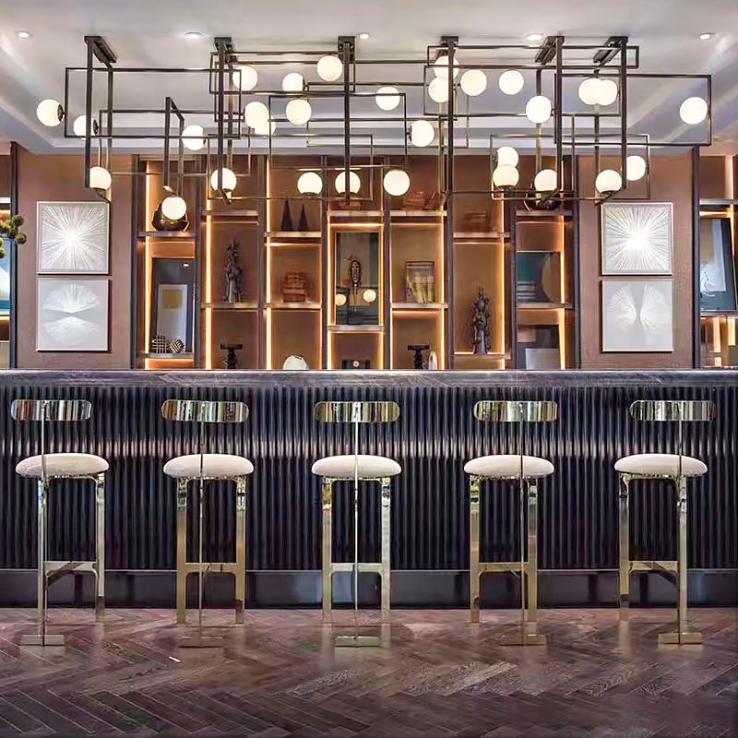 酒店工程灯具很多灯具的款式还是要依据室内的设计来定制